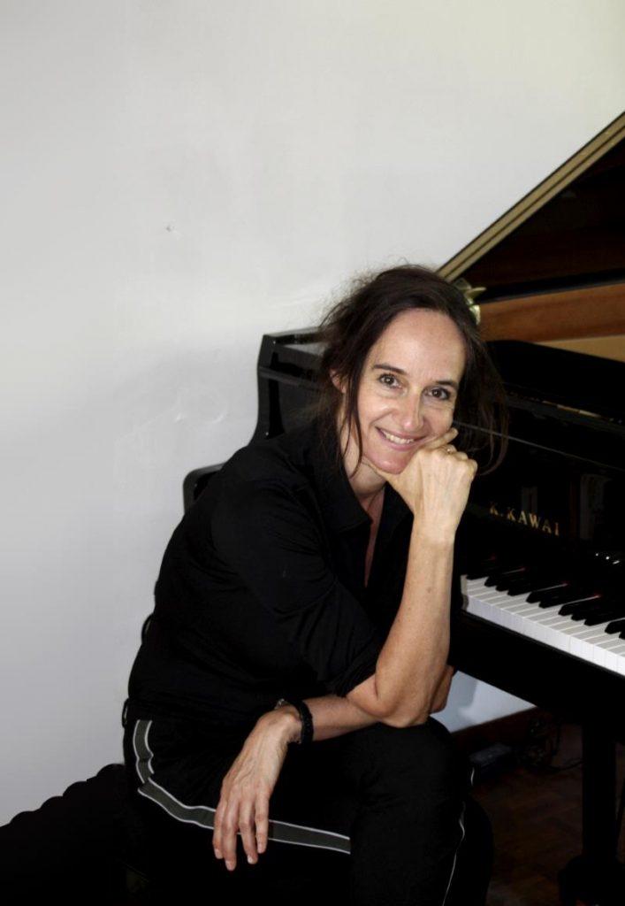 Pianoles Bilthoven - Deodora Flipse, gediplomeerd pianodocent